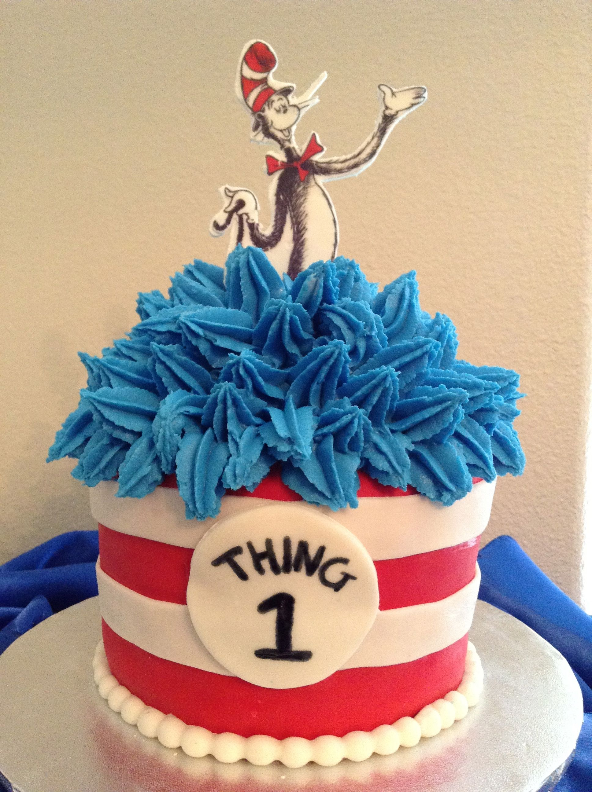 Cat In The Hat Cake Cat Hat Cake Dr Seuss Birthday Dr