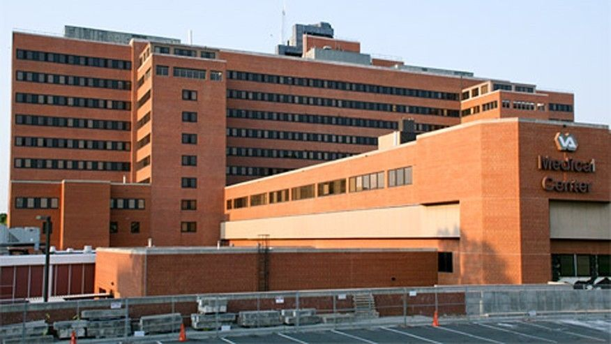 At VA hospital, anguished veterans wait hours to see doctors