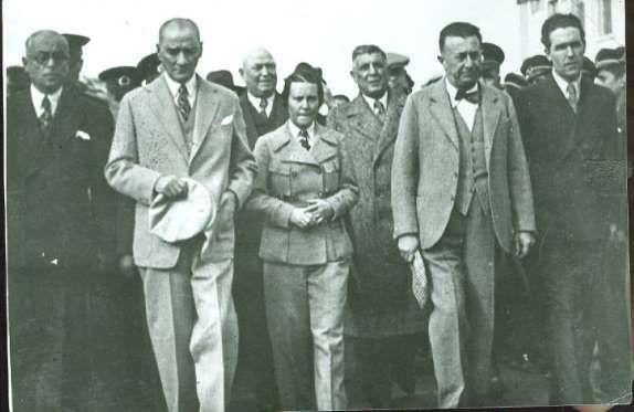 M.Kemal Atatürk'ün nadir fotoğrafları / Sabiha Gökçen ile - Mustafa Kemal…