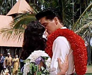 Elvis At Coco Palms Resort Kauai Hawaii 2015 With Sanja Meegin Spotlight On Elvis In Hawaii Elvis Elvis Presley Movies Movie Kisses