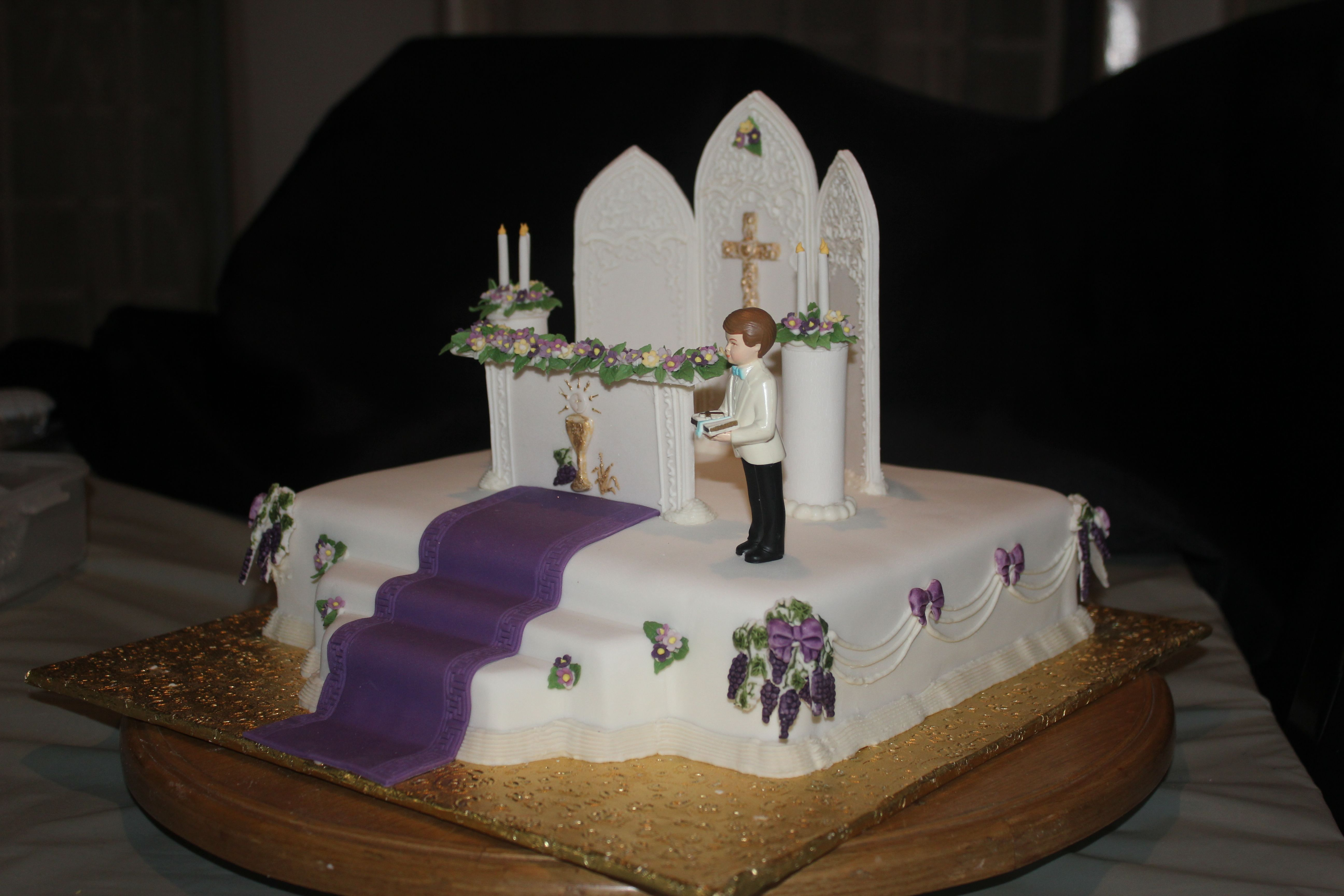 ideas for first communion photos - Altar First Holy munion Cake