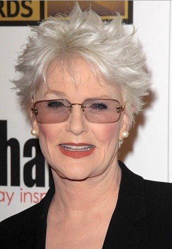 Popular Short Messy Gray Hairstyles With Layers For Women Over 70 With Glasses J In 2020 Short Grey Hair Short Hair Styles Womens Hairstyles