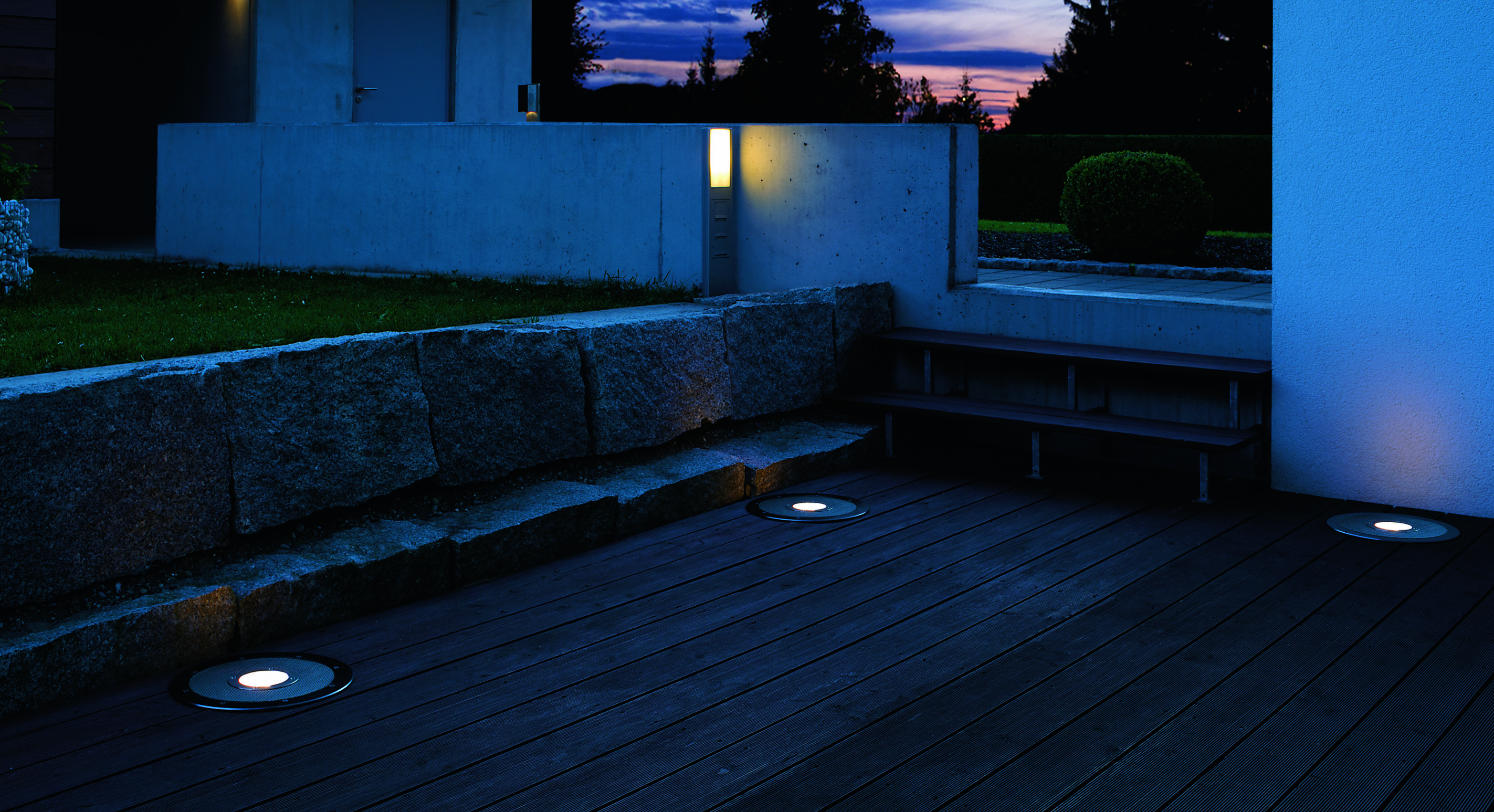nagłośnienie ogrodu i oświetlenie w jednym - produkty WHD od TechnikaDesign.pl