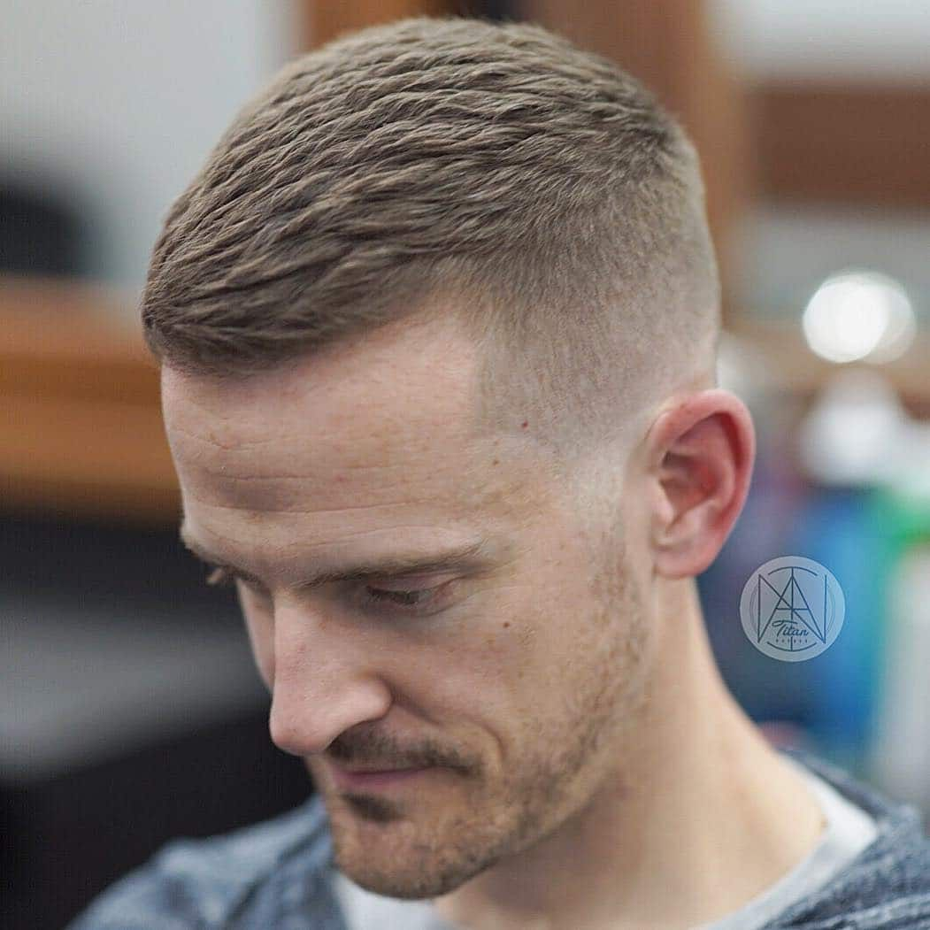 Men S Short Textured Haircut Is On Trend For The Summer Of 2018 And Beyond Menshairstyletre Mens Haircuts Short Short Textured Haircuts Mens Hairstyles Short