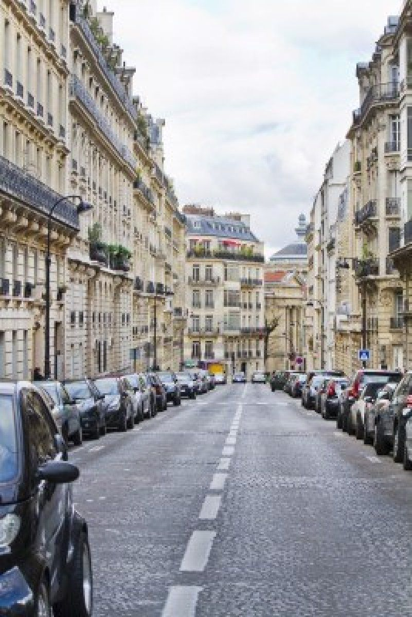 the-streets-of-paris-france