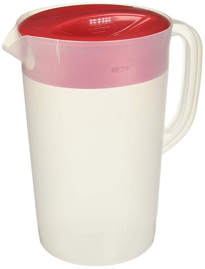 Amazon Com Rubbermaid 711717429960 Gallon Covered Pitcher 1 Gallon Set Of 2 White Carafes Pitchers Rubbermaid Carafe Pitcher Pitcher