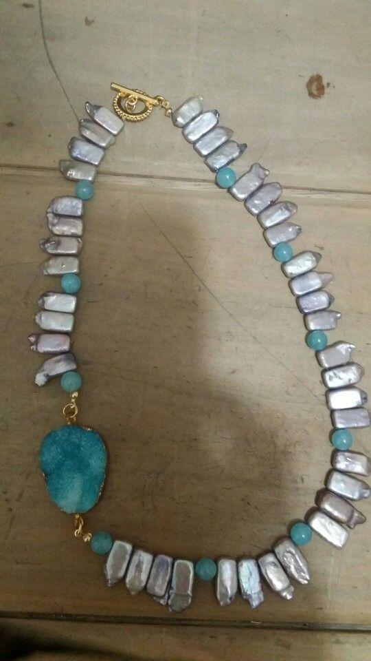 b40ea5b16aa9 Collar palitos de perla natural con piedra natural verde-azul y Druza Azul  rustica