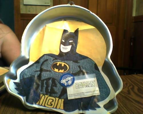 Wilton Batman Character Cake Pan 1989 w Insert : KTs Added Values, Collectibles Home and Kitchen Decor