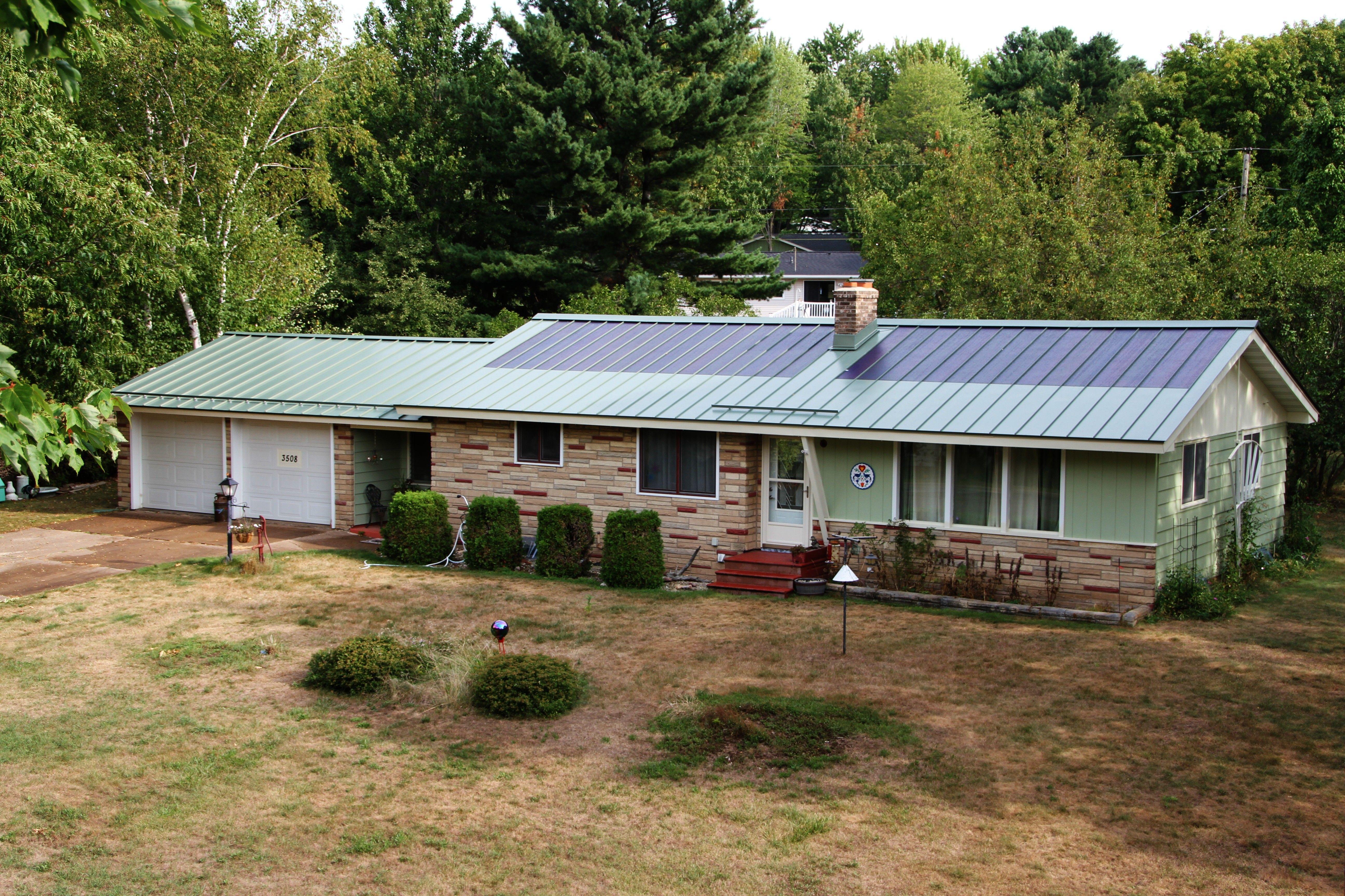 Best Standing Seam Metal Roof In Hemlock Green Metal Provided 400 x 300