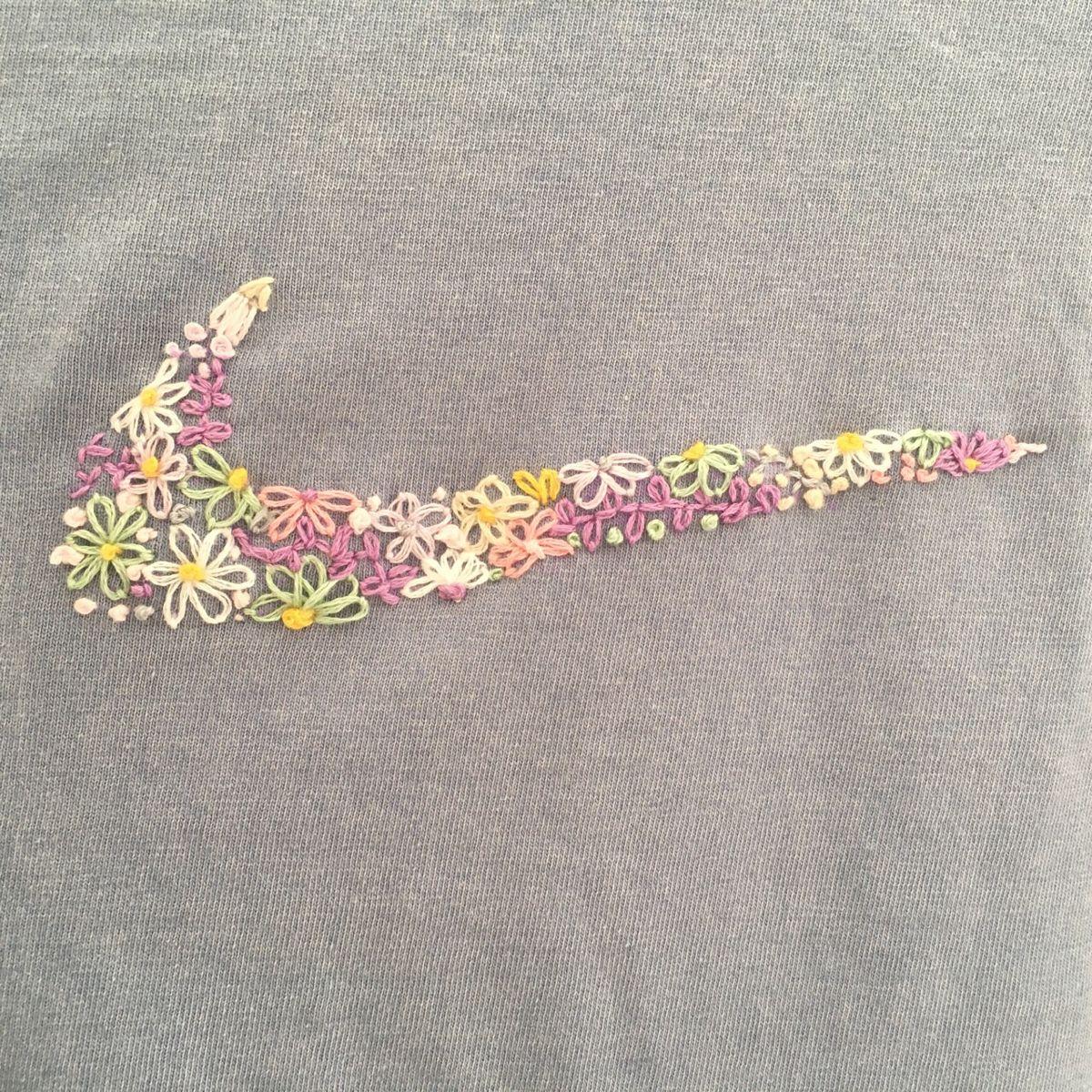 Embroidery Flowers Vintage Nike In 2020 Diy Embroidery Hand Embroidery Pattern Brazilian Embroidery