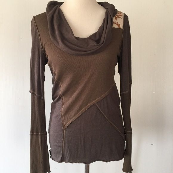 TINY BY ANTHROPOLOGIE TOP NWOT Anthropologie Tops  d367fb6d3ed