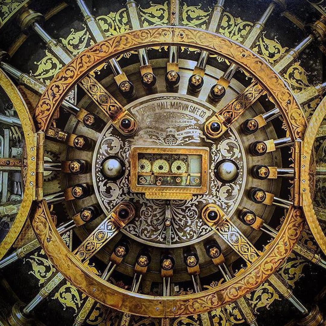 This Is An Old Bank Vault Door That I Seen On Ludlowblunt
