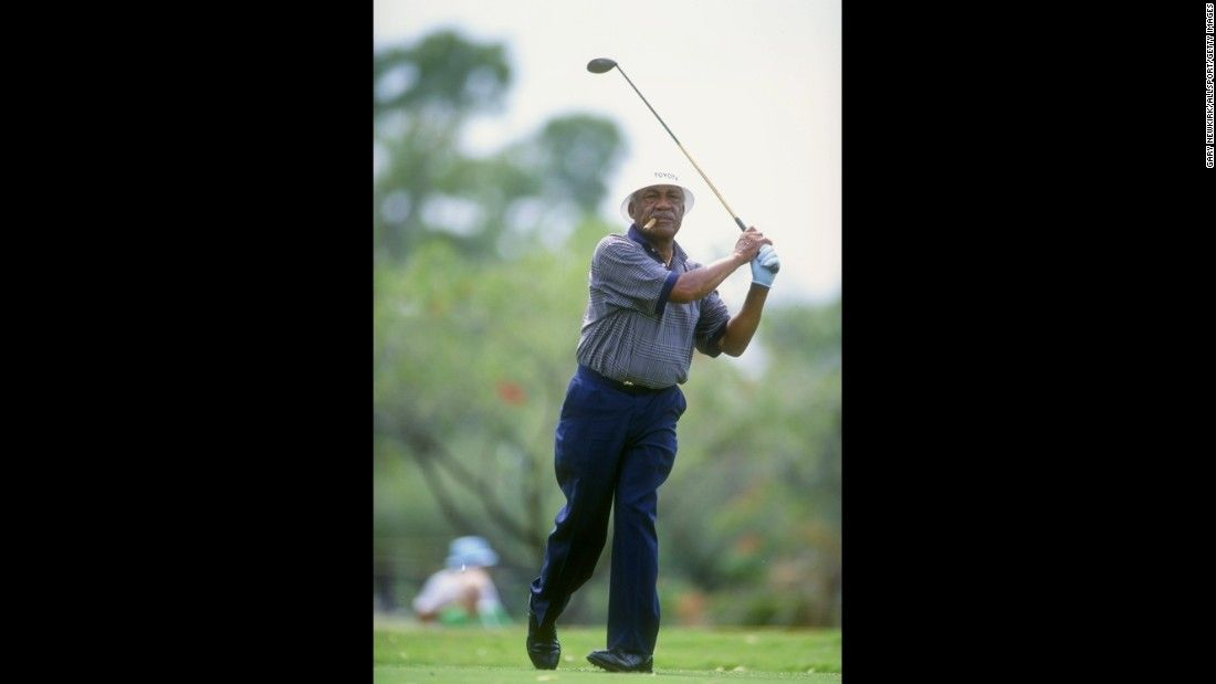 Charles sifford who broke golfs color barrier dies