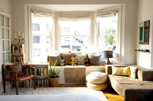36 Cozy Window Seats And Bay Windows With A View Small Living Rooms Home Bay Window Treatments