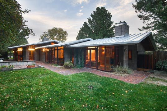 Pinon House Renovation A Modern Home That Conserves Ranch Style House Plans Ranch Style Homes Mid Century Modern House