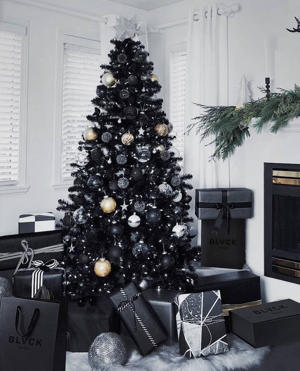 I Straight Up Begged My Family To Get A Black Christmas Tree Last Year Black Christmas Decorations Fun Christmas Decorations Black Christmas Tree Decorations