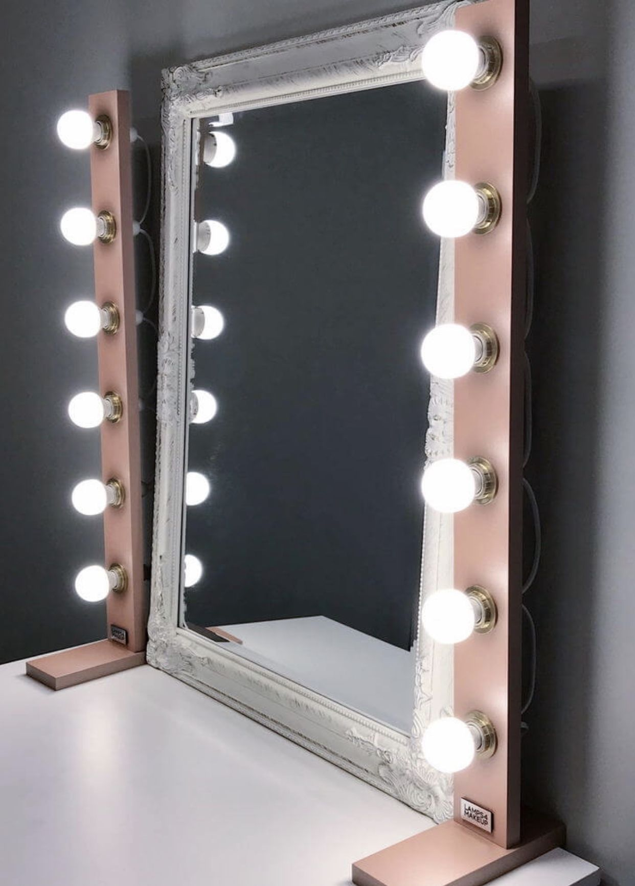 vanity table idea, inspiration, rose gold makeup lighting