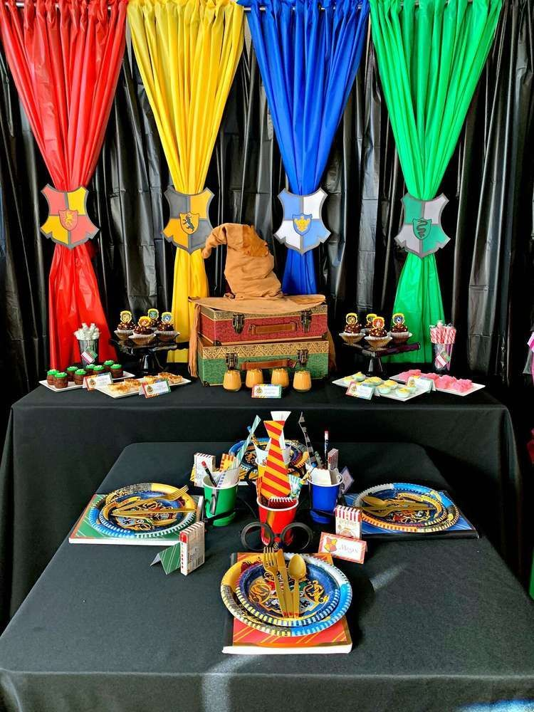Harry Potter Food Display For Your Birthday Party Decor Harrypotterbi Harry Potter Theme Birthday Harry Potter Party Decorations Harry Potter Halloween Party