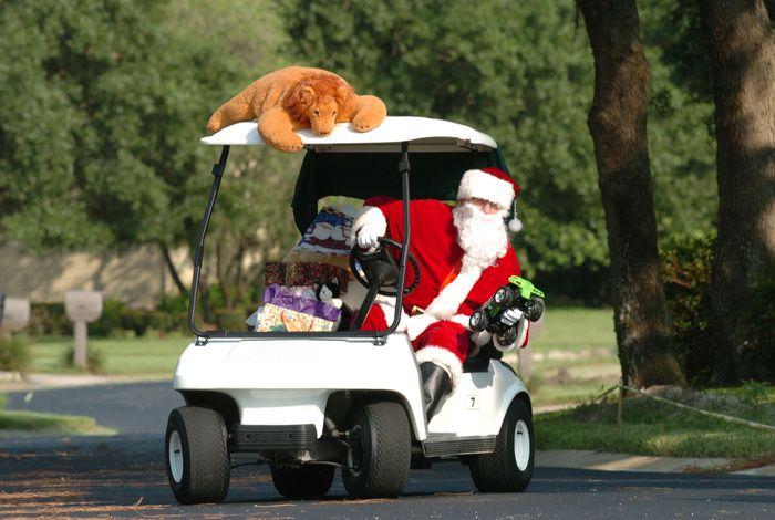 Le cadeau du Père Noel aux golfeurs   Golfeur, Pere noel, Équipement de golf