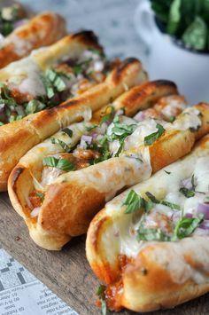 Garlic Butter Italian Sausage Sandwiches #sandwichrecipes