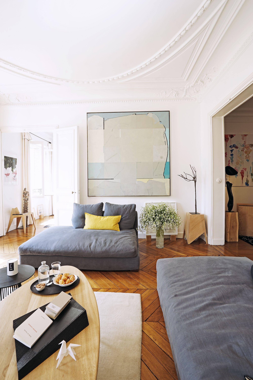 Tableau De Tanguy Tolila Dans LArt Room Parisienne Canape Blue - Canape tanguy design