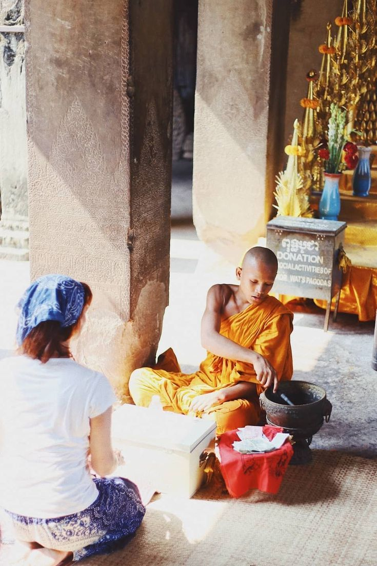 What to wear in Cambodia Female backpacker Asia Travel Guide Dos  Donts when traveling Cambodia Siem Reap Temple Etiquette and Fashion Guide Check out this Epic Travel Cu...