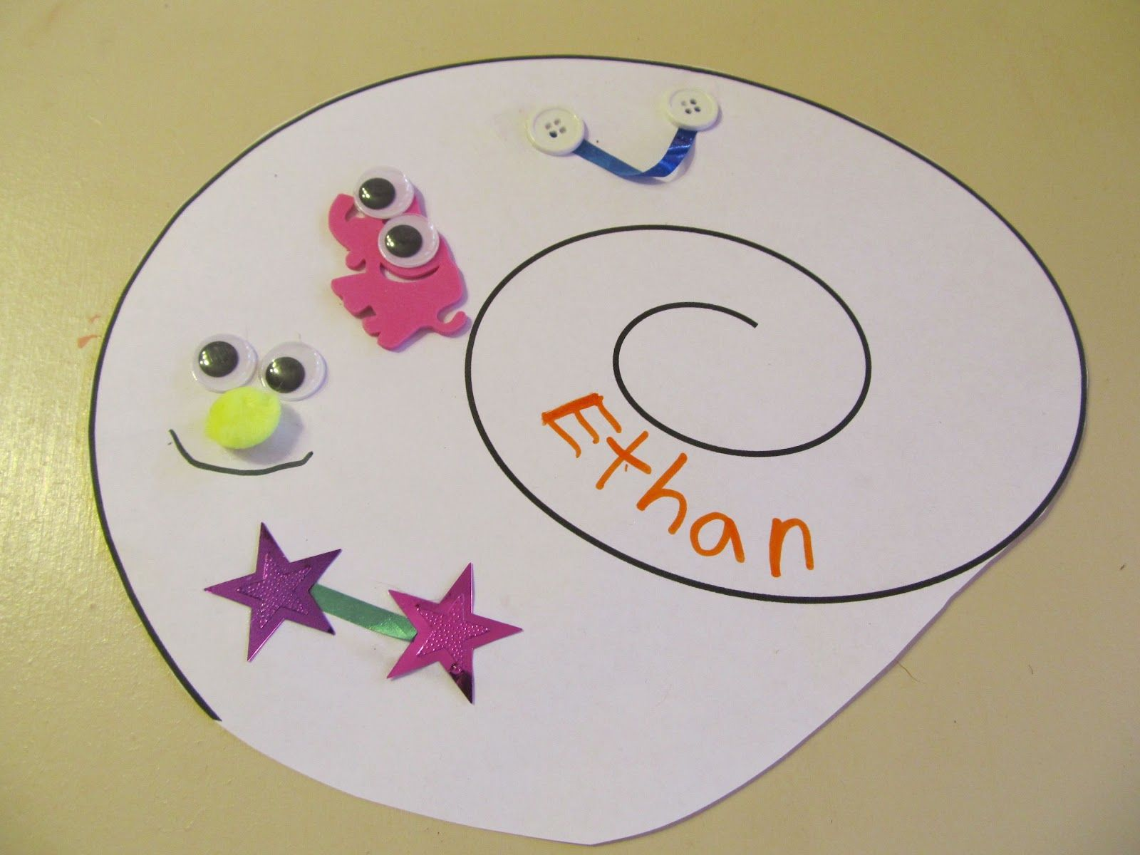 Picture Book Lessons: A Desk for Hermit Students Name Tag: A Back-to-School Craftivity for A House for Hermit Crab