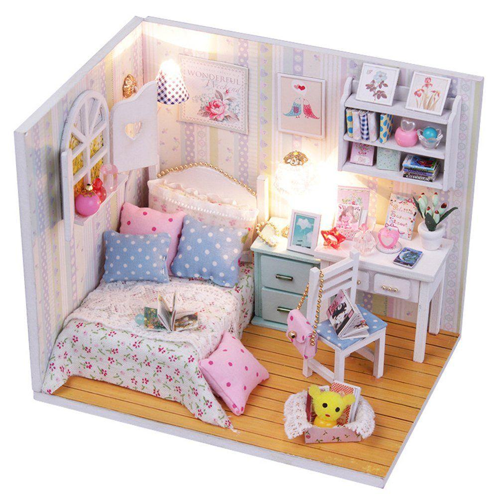 Yisuwoy Schoene Puppenhaus Mini Haus Schlafzimmer Dollhouse DIY Kit  Geschenk Mit Abdeckung Und Licht: Amazon