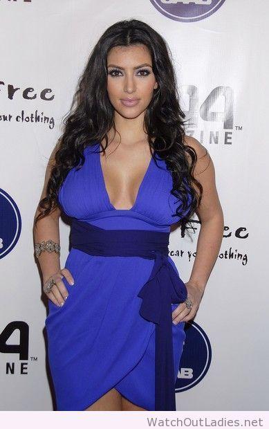 Kim Kardashian blue dress and accessories | kardashian-jenner ...