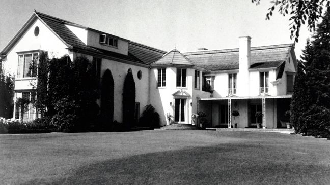 Rudolph Valentino\'s home at 6776 Wedgewood Place in the Whitley ...