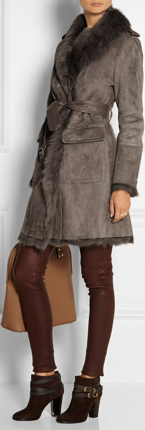 BURBERRY LONDON Leather-trimmed shearling coat in Mushroom