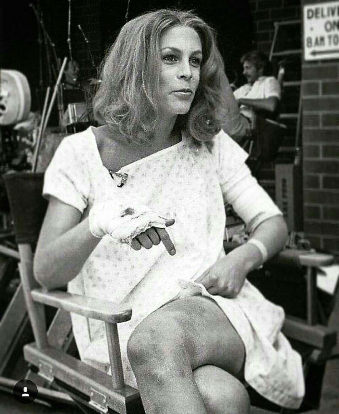 Jamie Lee Curtis behind the scenes of Halloween part II (1981 ...