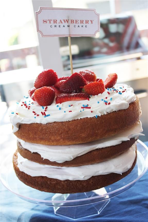 Easy Layered Cake with Velata for a Summer/4th of July BBQ #scentsylaborday