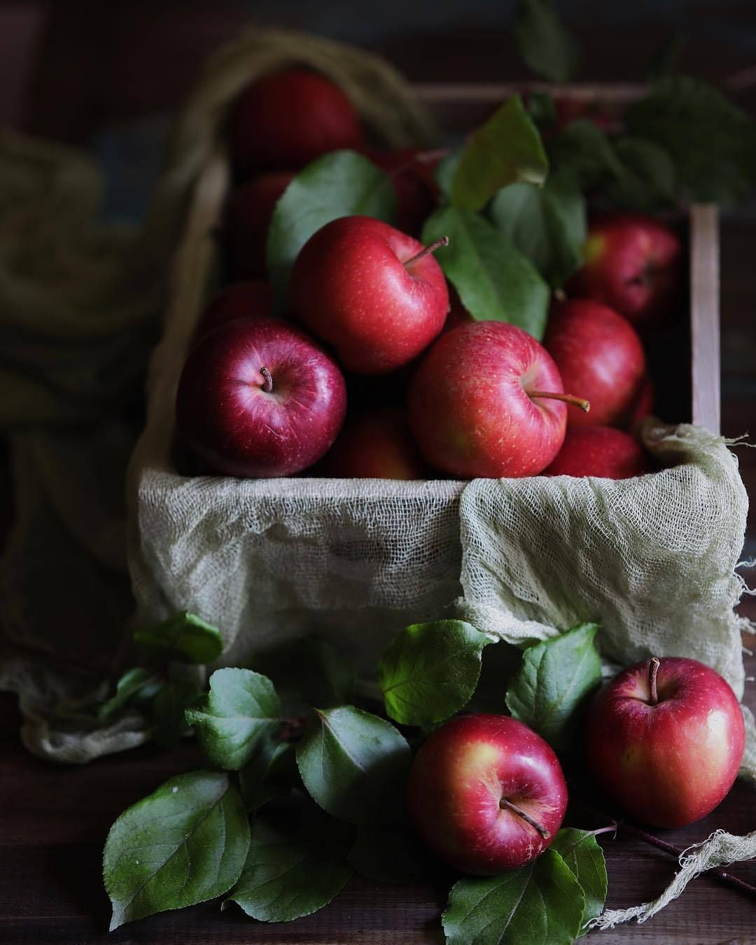 Pin By Jitz Jitz On Food With Images Fruit Apple Fresh Berries