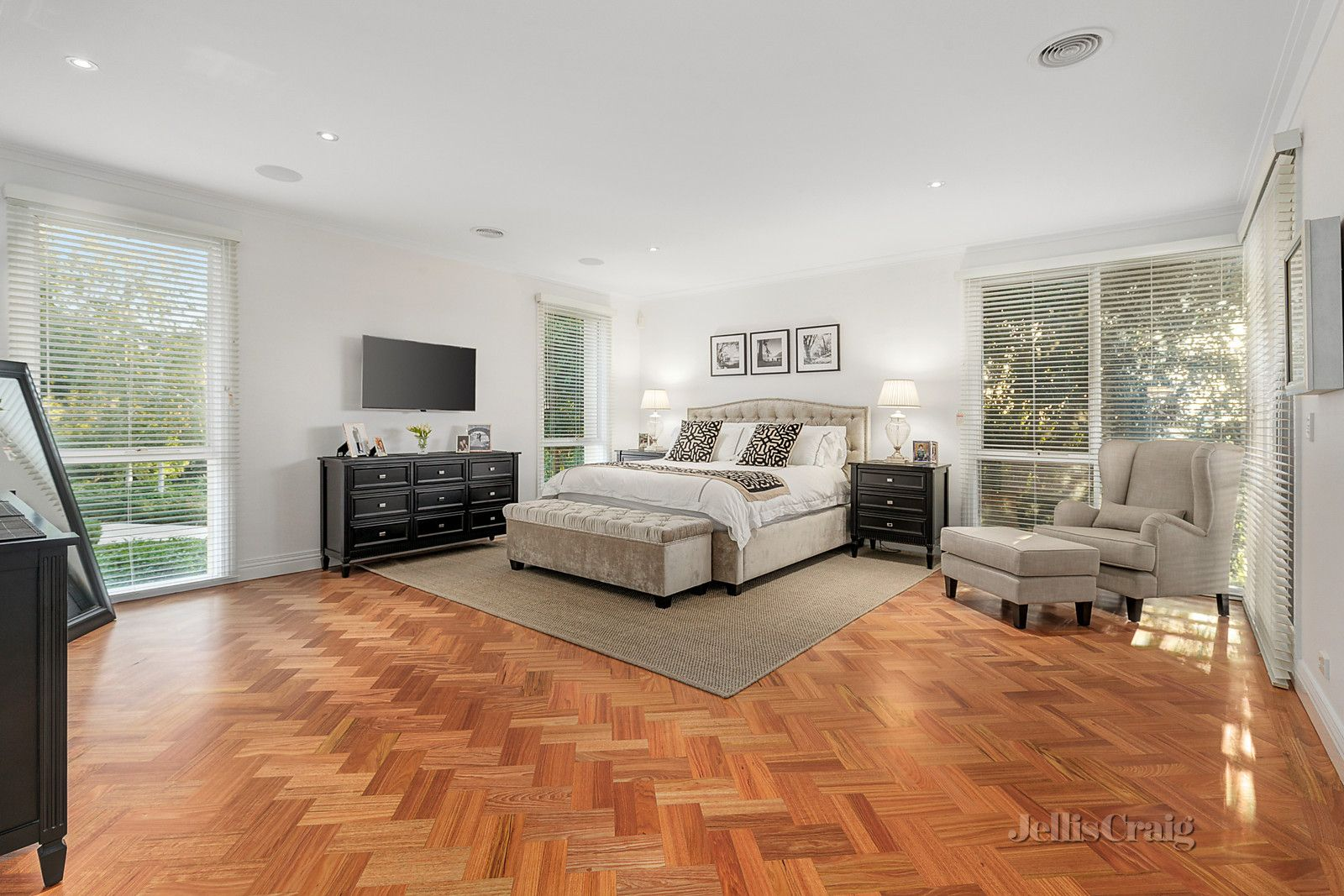 68 Websters Road Templestowe 3106 VIC House for Sale - jelliscraig.com.au