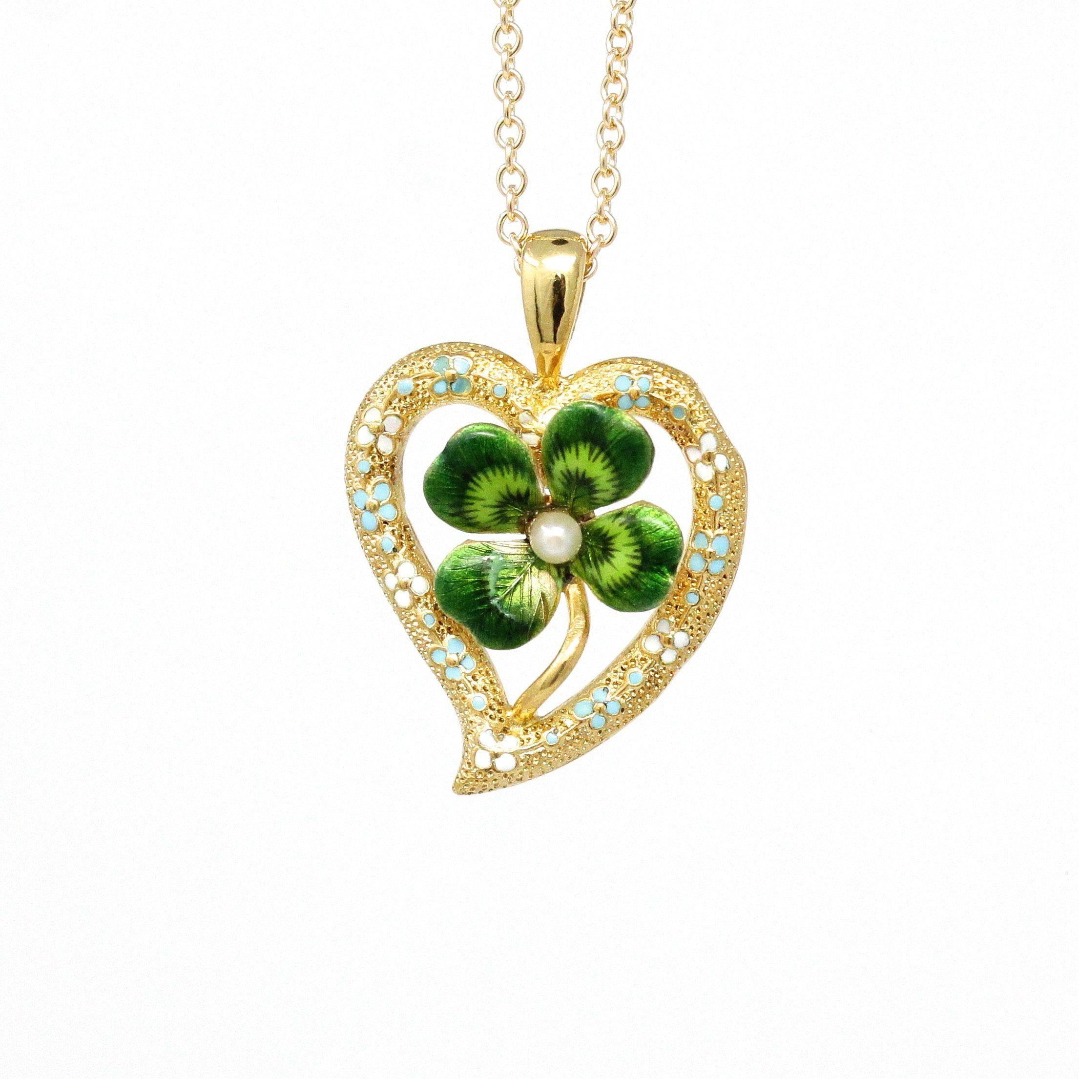 14k Yellow Gold Heart Clover Pendant