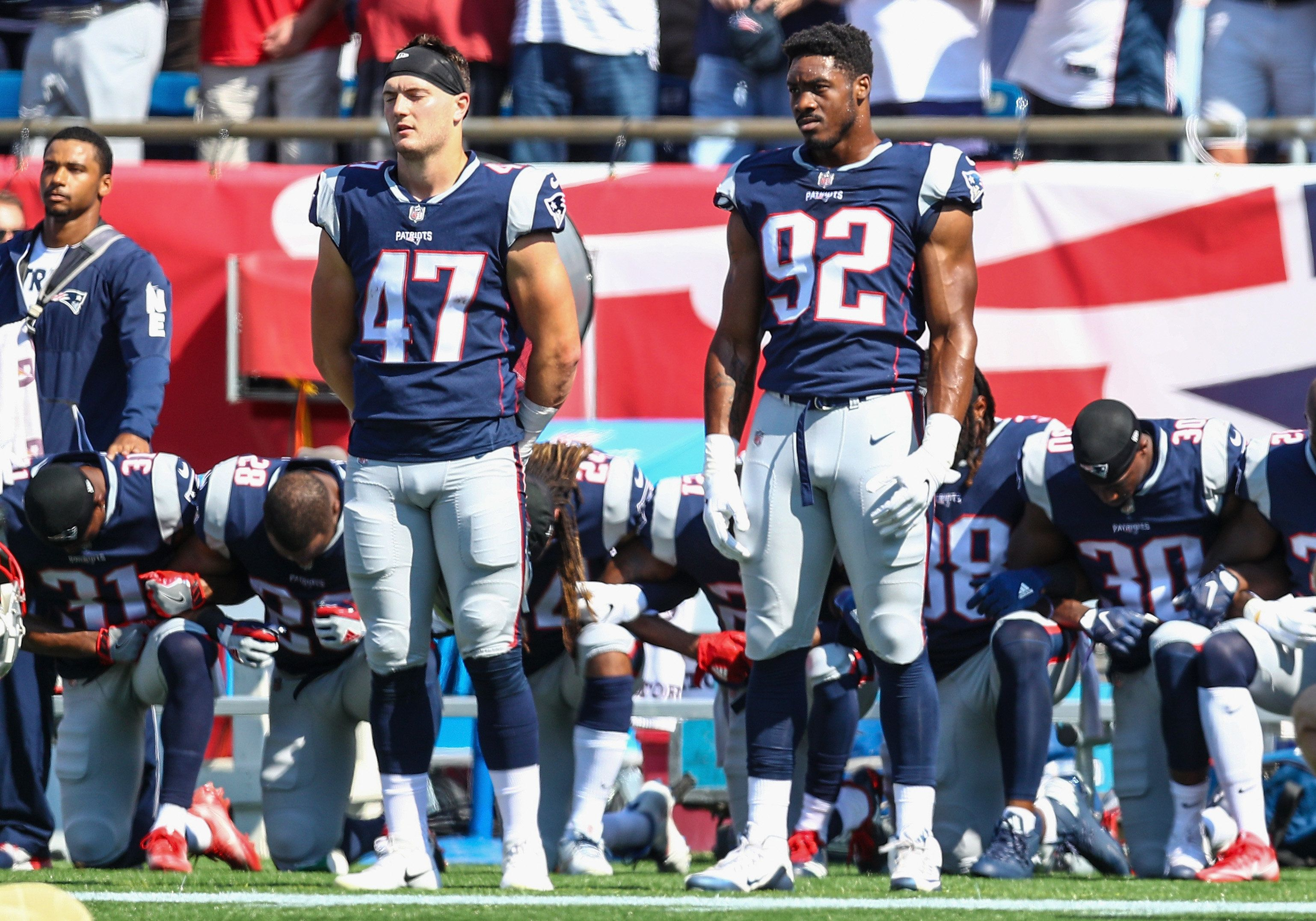 Takeaknee Celebs And Nfl Stars React To Trump S Latest Criticism Of National Anthem Protests National Anthem Taking A Knee New England Patriots