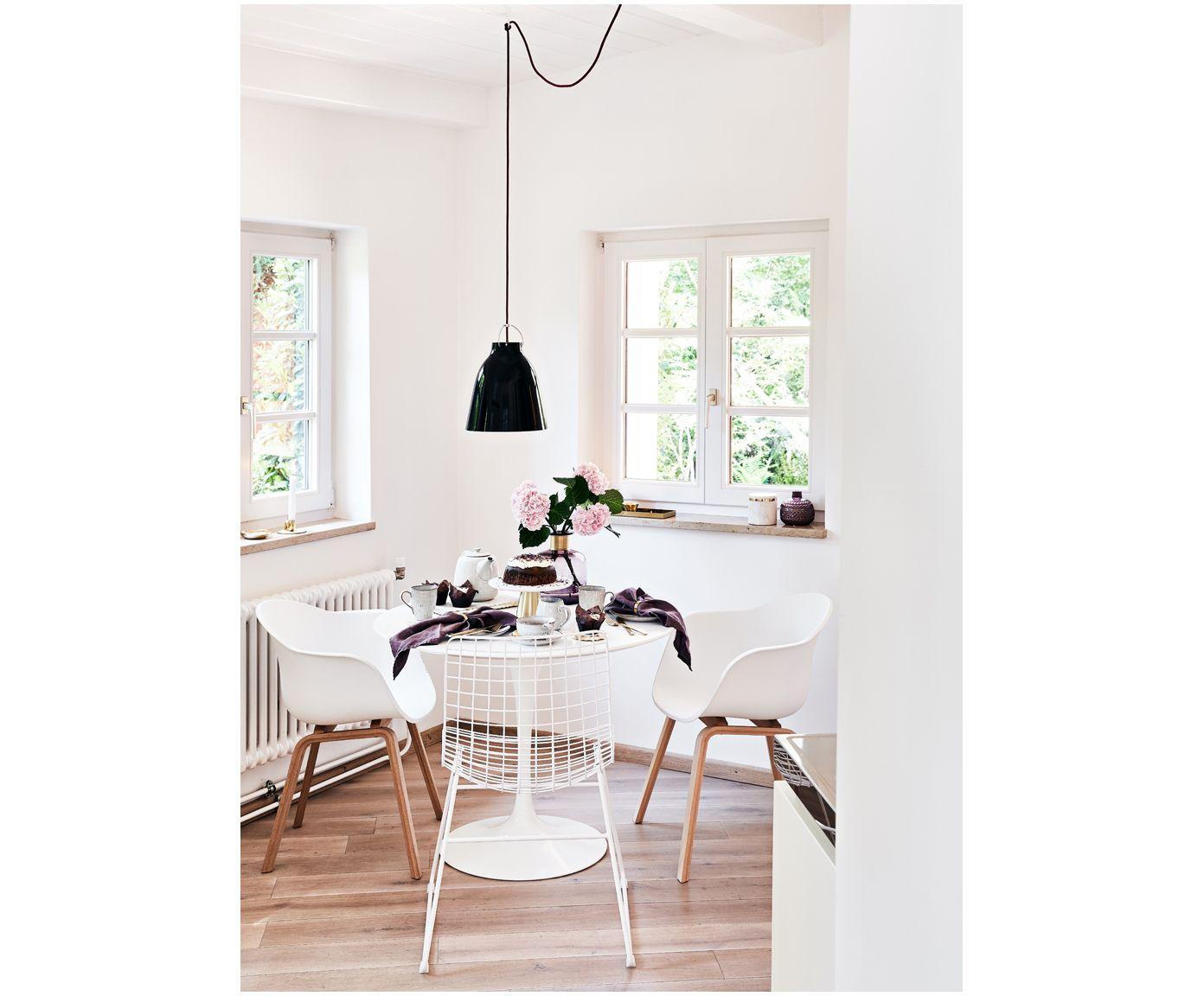 Elegant AFFILIATELINK   Armlehnstuhl Claire, Skandinavisches Design,  Minimalistische Einrichtung, Deko, Schlichte Uhr,