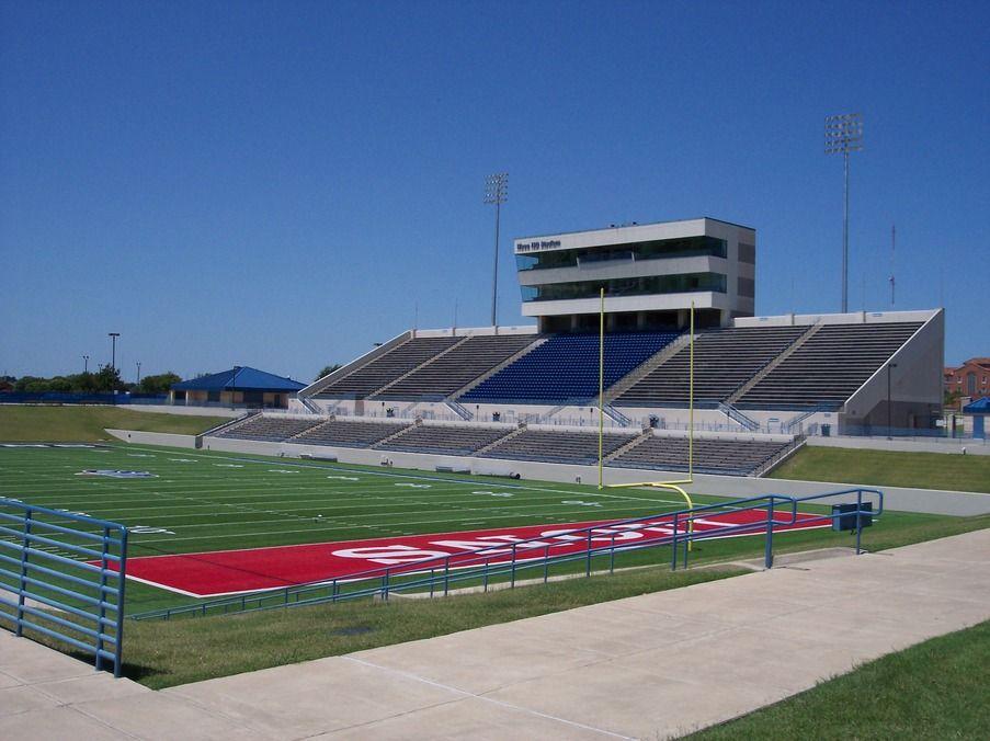 Waco Tx Waco Isd Stadium Been To A Game Here Very Nice High