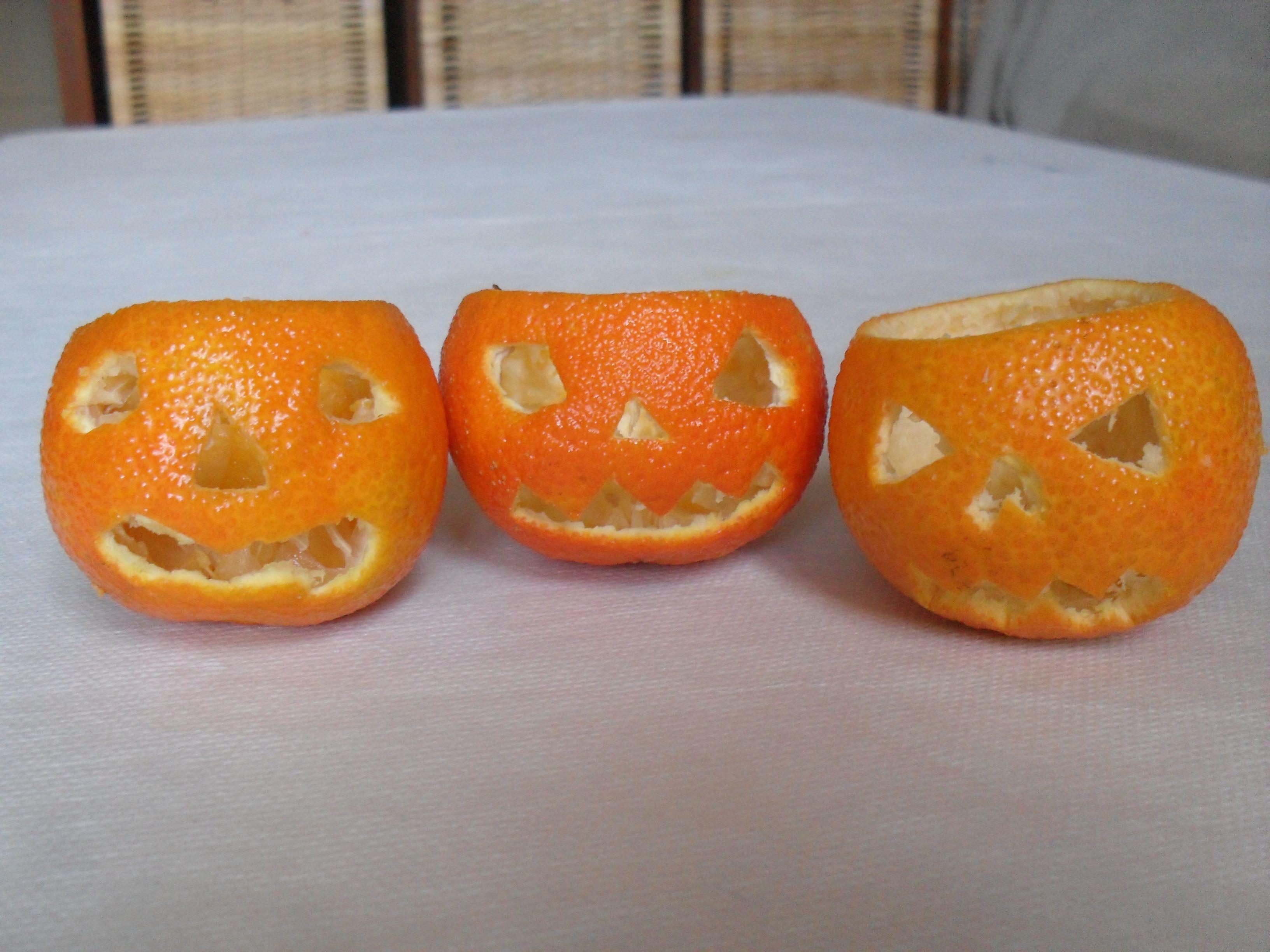 Mandarinas cambiadas a calabazas terrorficas para halloween