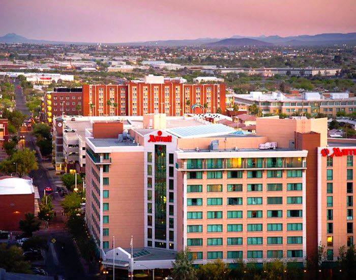 Tucson Marriott University Park Tucson Arizona Located In The Heart Of Tucson And On The Beautiful And Histo Tucson Hotels Tucson Resorts Resort