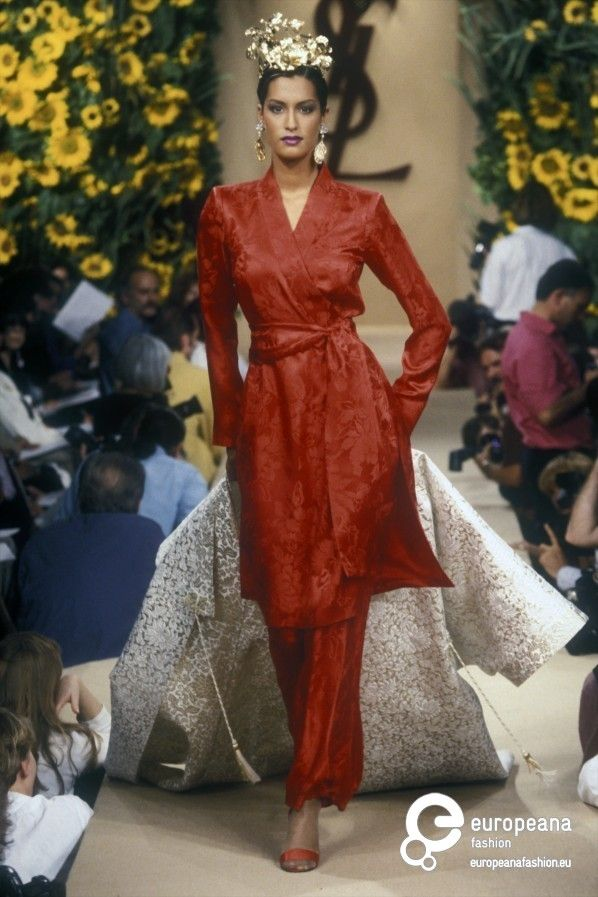 Yves saint laurent autumn winter 1994 couture yves for Haute couture fashion house