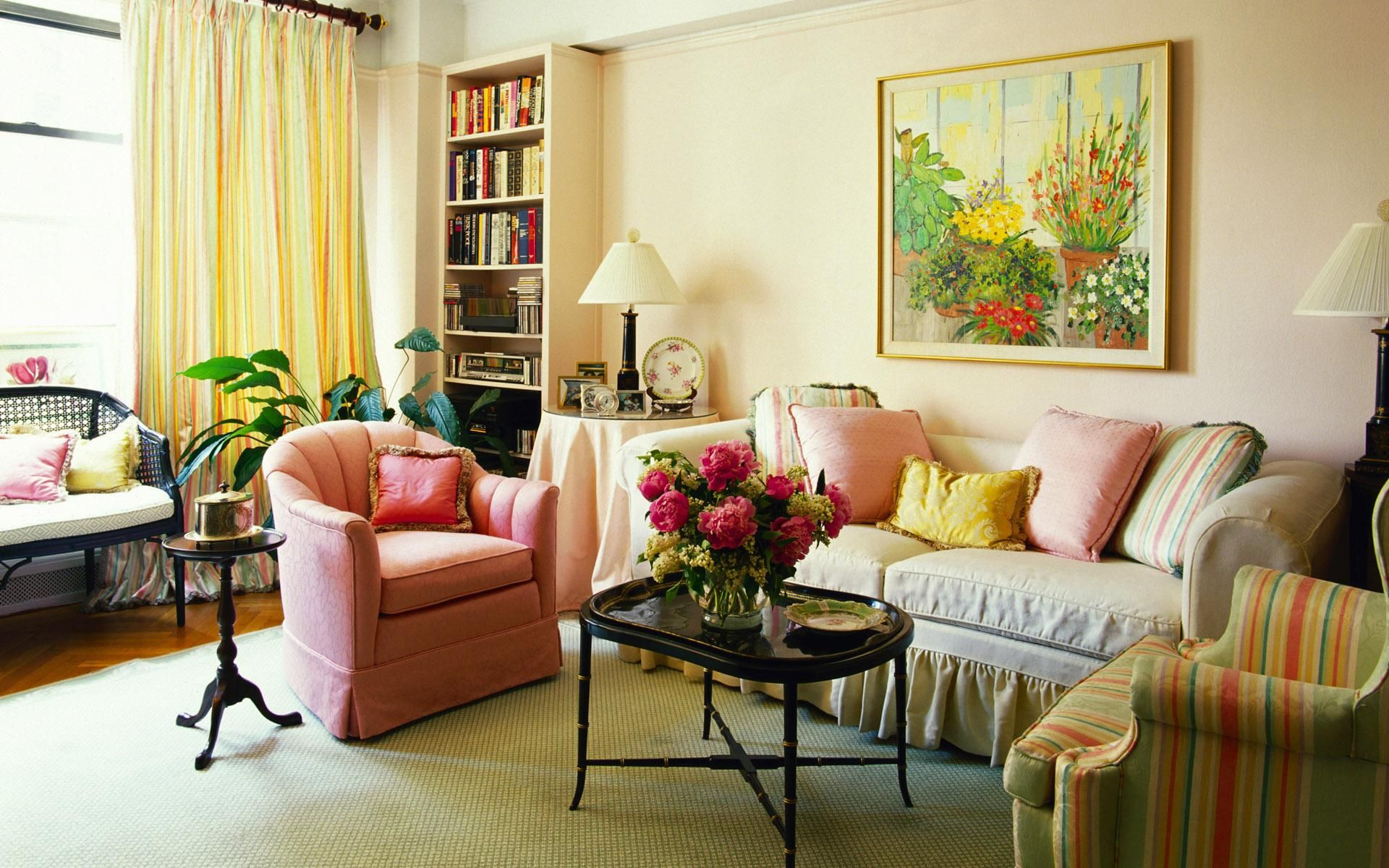 Living Room Furnished With Black Table Decorated With Vase Flowers  Decoration Astounding Traditional Small Living Room Ideas With Sofa And  Chair Completed ...