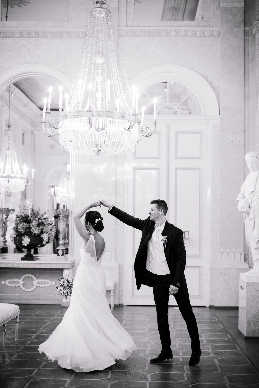 Heiraten In Den Prunkraumen Der Albertina In Wien Eine Der Schonsten Hochzeitslocations In Wien Viennawedd In 2020 Hochzeitslocation Hochzeitslocation Wien Heiraten