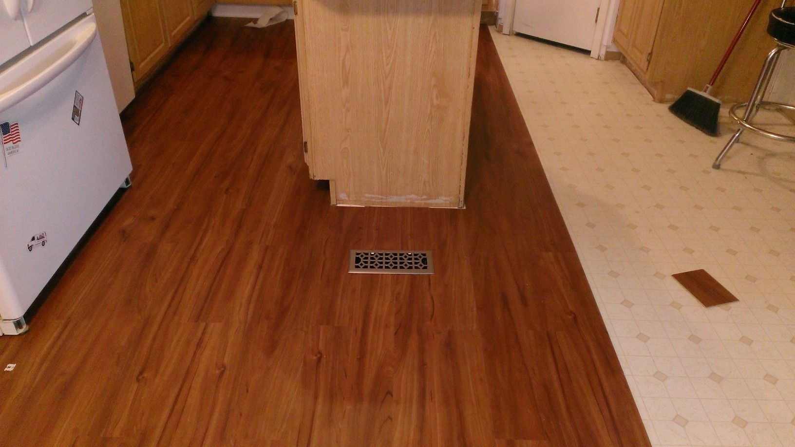 Just Finished Installing Some Lowe S Smart Core Flooring By Natural Floors This Is A Vinyl Product That Is Fairly Ea Natural Flooring Flooring Floating Floor