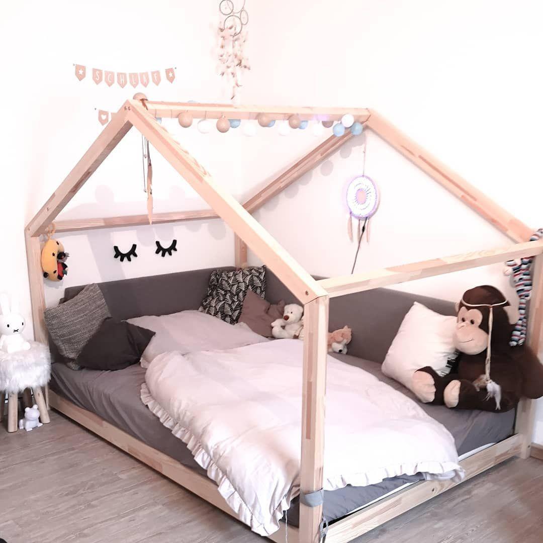 Hausbett, das ideale Bett fürs Kinderzimmer, da es auch