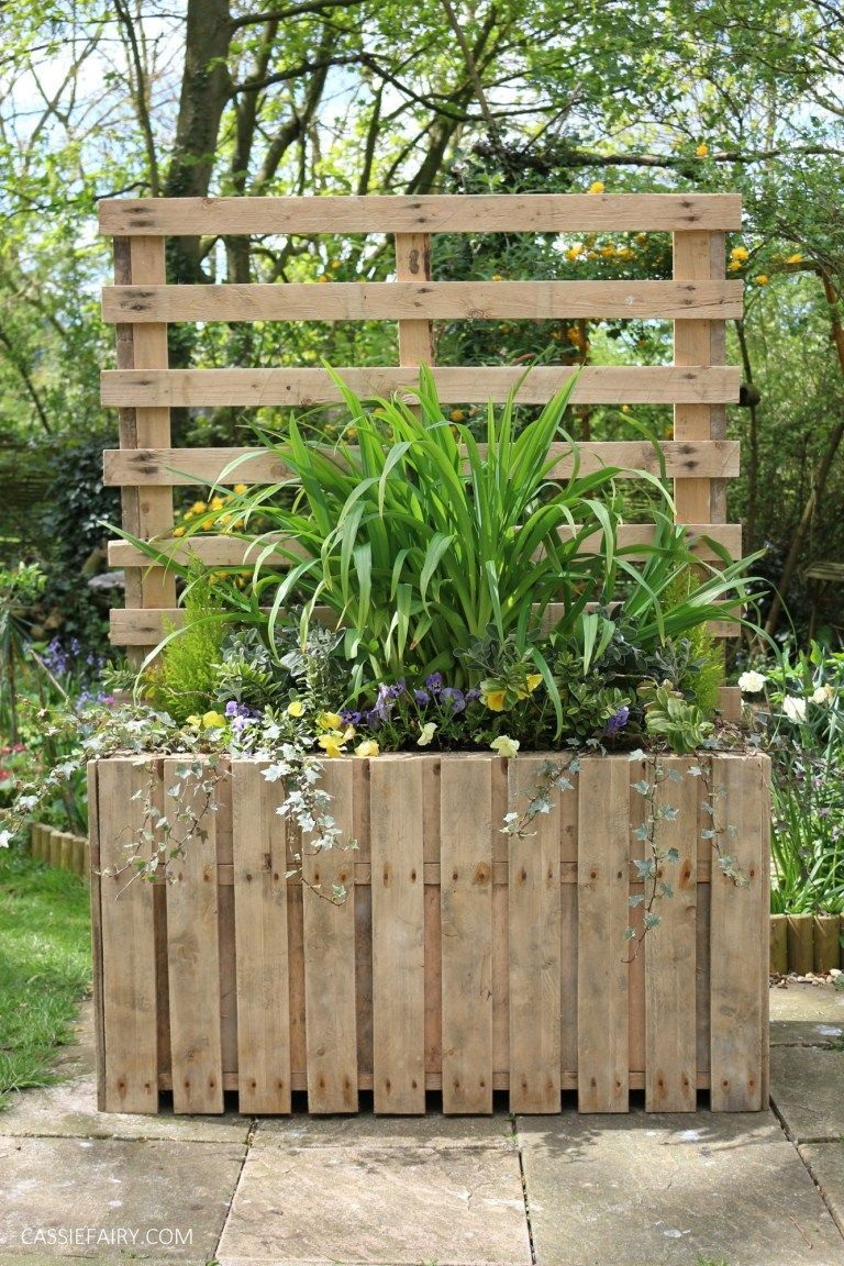 DIY Upcycled pallet planter & privacy screen # ...
