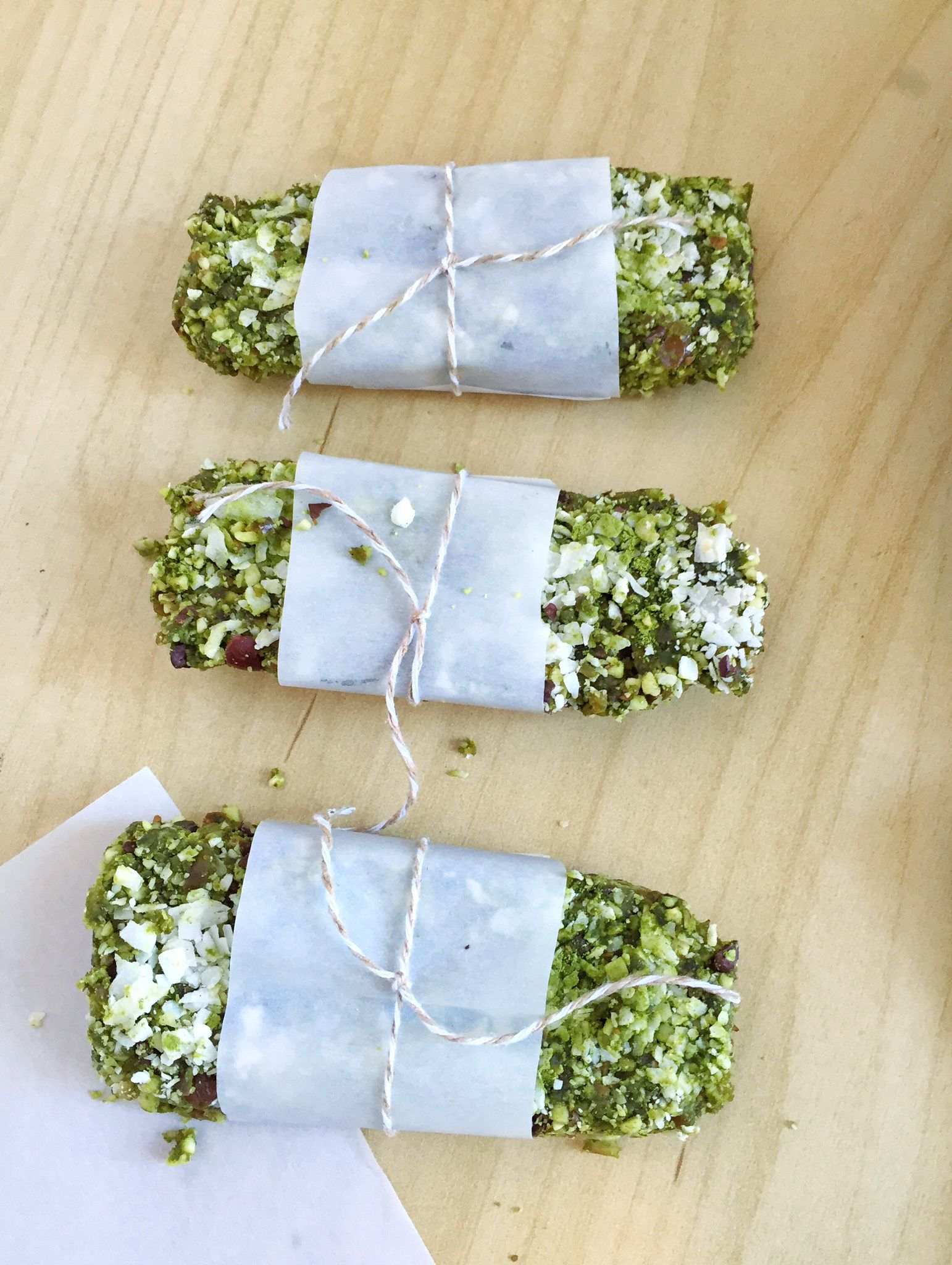 Vegan Matcha Energy Bars are a delicious and health, on-the-go snack! Made with green tea and coconut, these are delicious and plant-based!
