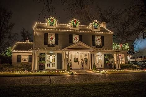 image result for beautiful mansion outdoor christmas decorations