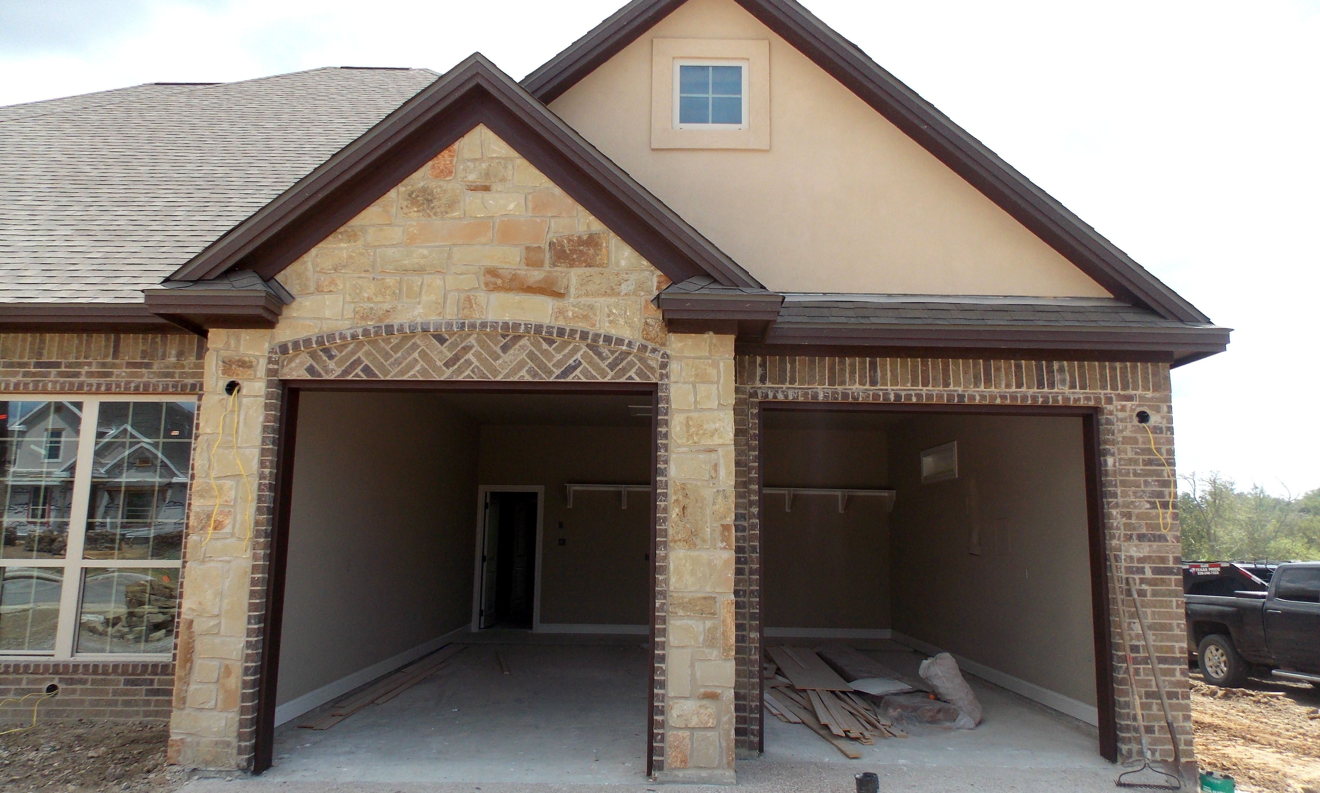 Just Listed With Andrea Real Estate Houses Cedar Garage Door